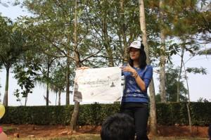 Presentasi mengenai KMBD oleh ketua (Elizabeth-FKG 2012)